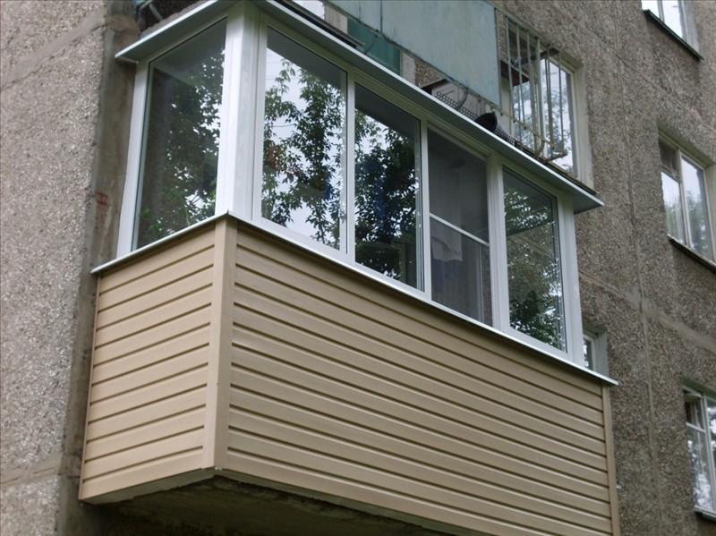 """Внешняя отделка балконов и лоджий от компании """"оконный стиль."""