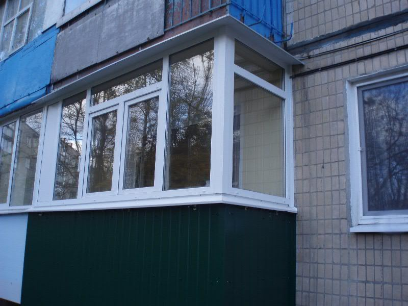 Балконы с наружной отделкой пвх.